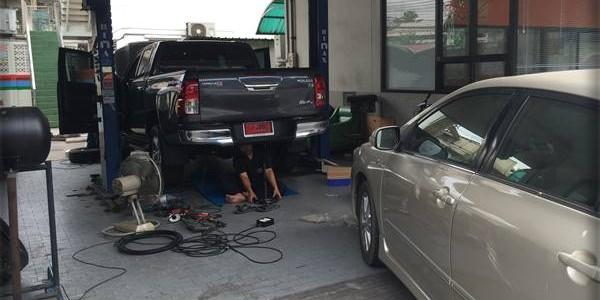 Toyota Hilux REVO ติดแก๊สหัวฉี […]